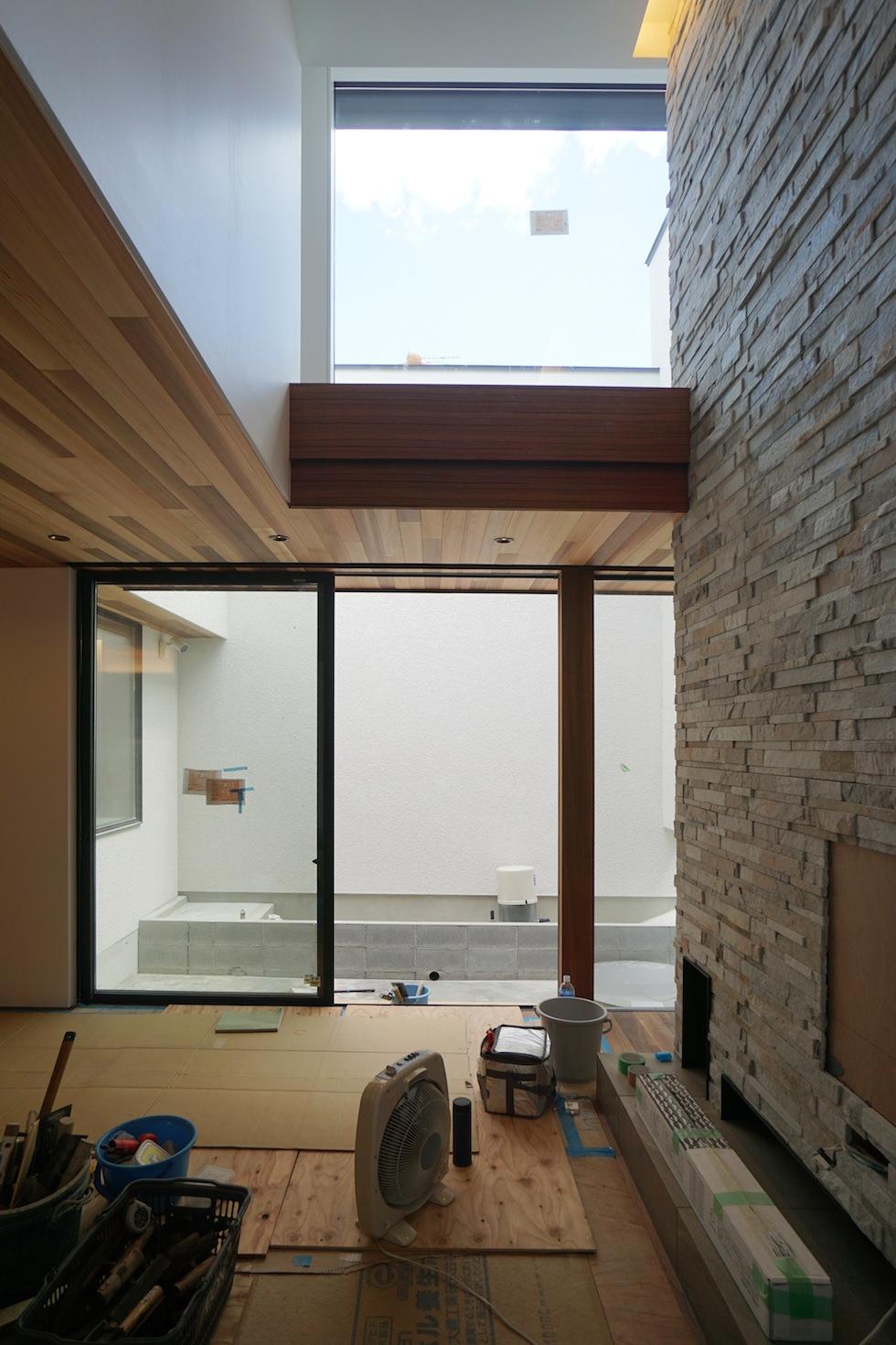 建築家,高級注文住宅設計,大阪,豊中,北摂,建築家デザイン,外観デザイン,板貼り,吹き抜け