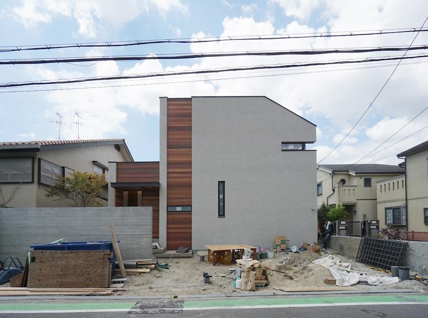 建築家,高級注文住宅設計,大阪,豊中,北摂,建築家デザイン,外観デザイン,板貼り