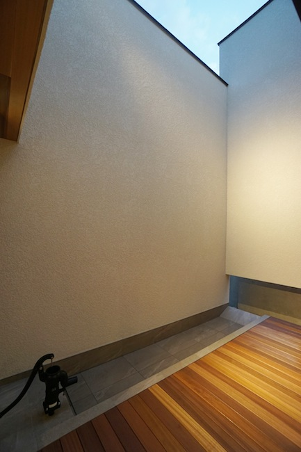 建築家,大阪,高級注文住宅設計,北摂,豊中,ファサード,外観デザイン,中庭,コートハウス,井戸