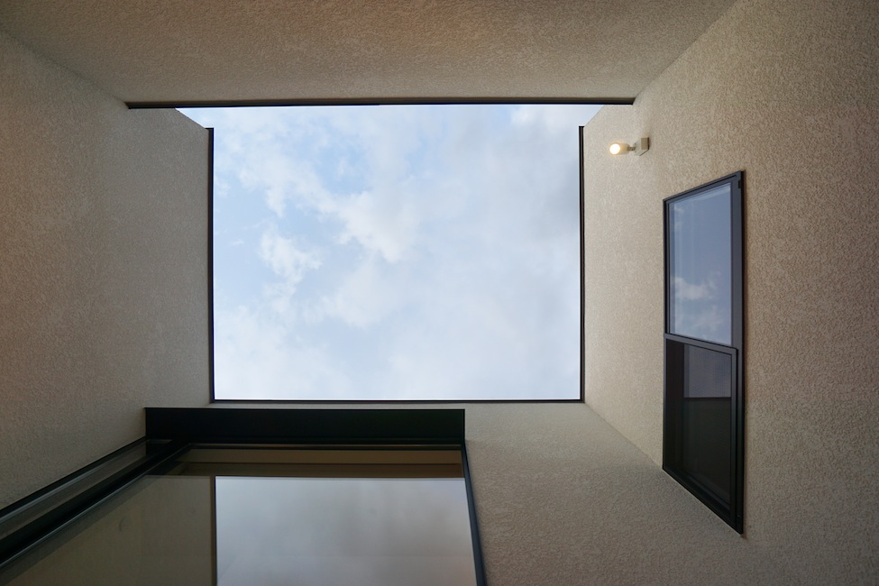 建築家,大阪,高級注文住宅設計,北摂,豊中,ファサード,外観デザイン,中庭,空の見える家