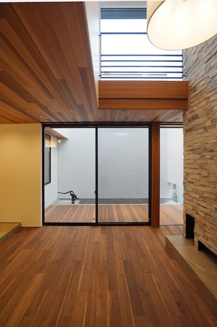 建築家,大阪,高級注文住宅設計,北摂,豊中,ファサード,外観デザイン,吹き抜けリビング