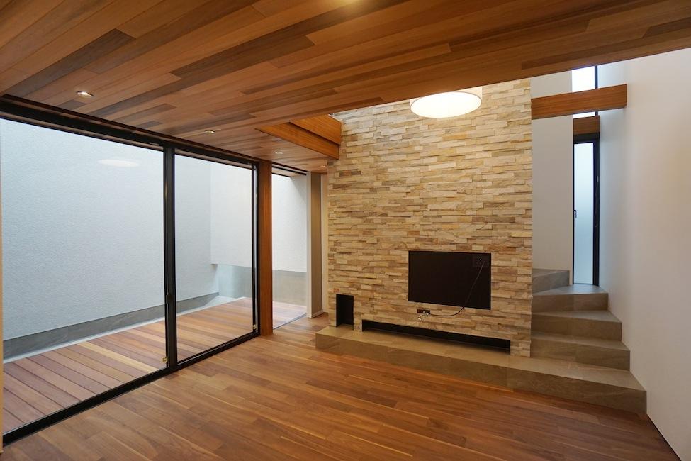 建築家,大阪,高級注文住宅設計,北摂,豊中,ファサード,外観デザイン,段差リビング