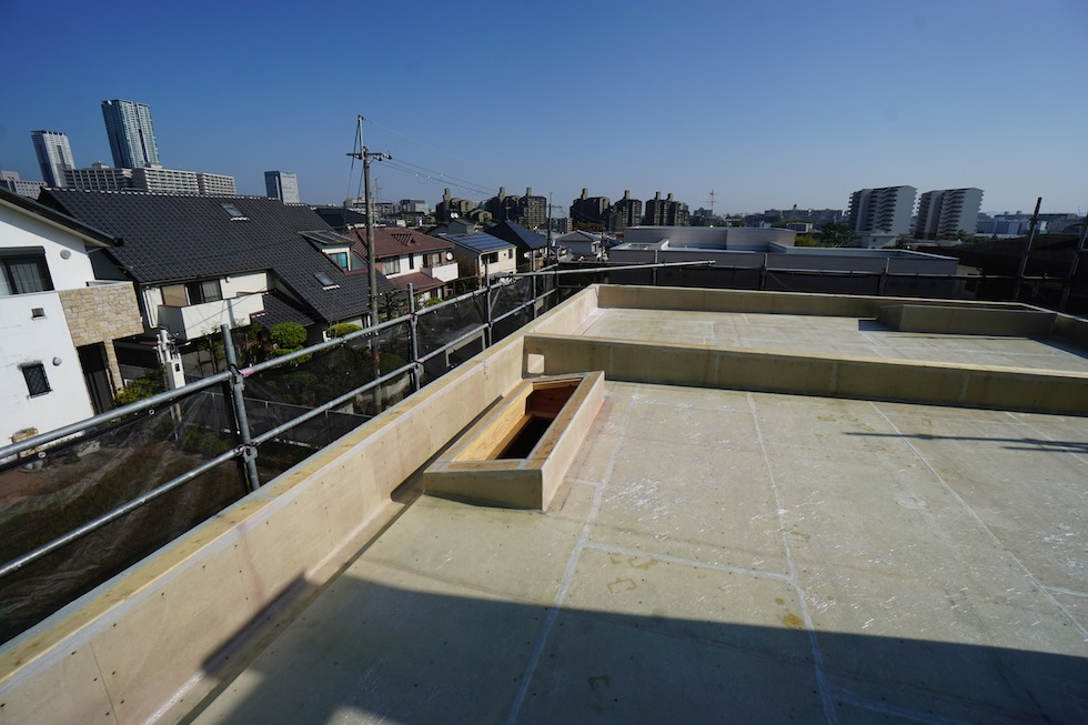 建築家,豊中,高級注文住宅設計,大阪,北摂,コートハウス,中庭の家,中間検査,トップライト