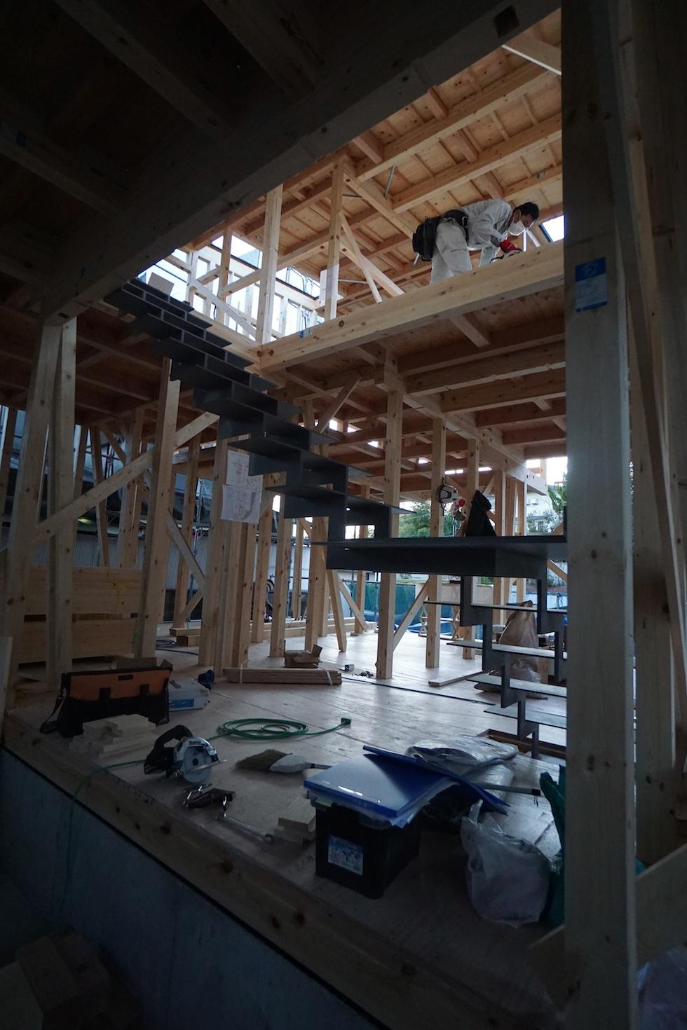 眺望のガレージハウス,箕面,大阪,建築家,高級注文住宅設計,眺望の家,眺めの良い家,北摂,ガレージハウス,階段デザイン